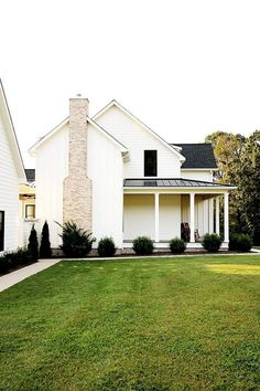 40 Stunning Farmhouse Home Exterior For Charming Home Ideas