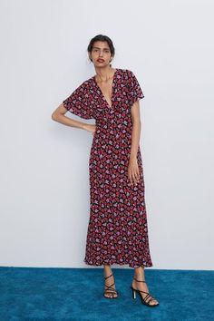 Vestidos Zara, Mini Vestidos, Floral Print Skirt, Floral Prints, Rustic Dresses, Online Zara, Copenhagen Fashion Week, Party Tops, Style Snaps