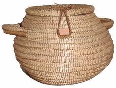 Nicaragua Large Pine Needle Basket w/ Lid