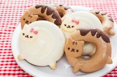 Cat doughnuts. #cute #donuts #catlovers #DOUGHNUT #sweet #food #dessert
