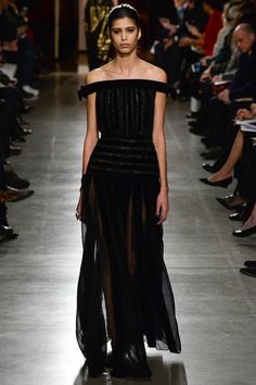 Oscar de la Renta Fall 2015 RTW Runway – Vogue