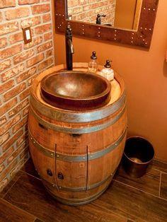 Botte di Vino: 37 idee per trasformarla in un oggetto favoloso! Botte di vino. Ecco di 37 idee per trasformare la tua vecchia botte di Vino in un elemento di arredamento favoloso per la casa. Lasciatevi ispirare e liberate la vostra creatività! Buona...