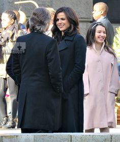 ONCE UPON A TIME Turns Vancouver Art Gallery into New York City for Lana Parilla, Robert Carlyle and Olivia Steele - Behind the scenes - 28 March 2016