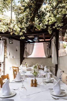 Candouni Restaurant Santorini