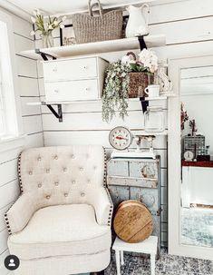 Living Room Styles, Rugs In Living Room, Living Room Decor, French Cottage Decor, Living Room Accents, Paint Colors For Living Room, Living Room Remodel, Interior Design Living Room, Modern Decor