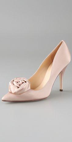 Google Image Result for http://www.pasminaqiu.com/wp-content/uploads/2011/06/Bridal-Shoes2.jpg