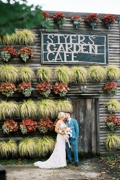 Cozy boho chic wedding at Terrain At Styers. Photo: @addyraephoto Mod Wedding, Garden Wedding, Rustic Wedding, Chic Wedding, Wedding Ideas, Rustic Chic, Boho Chic, Real Weddings, Cozy