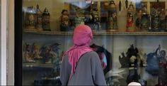 Un instituto de Valencia prohíbe a una alumna musulmana entrar a clase con el pañuelo