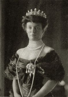 Princess Margarethe von Thurn und Taxis, nee Archduchess of Austria, wearing Eugenie's Lemonnier tiara, and many other pearls besides