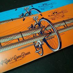 De nouveaux plateaux Blaze Supply sont rentrés au shop.  Ici les Fly Bike une série avec un design très doux et de belles couleurs !  #skateboard #skateboarding #skateordie #skatelife #board #boards #boardporn #orange #blue #hawaiisurf #paris