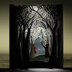 Andrea Deszo explains tunnel books but i would like to do something like this using my kids photos