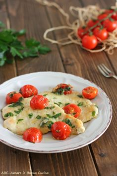 fesa di tacchino al parmigiano 2 Food Bulletin Boards, Caprese Salad, Bruschetta, Italian Recipes, Potato Salad, Food And Drink, Dinner, Vegetables, Cooking