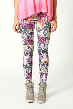 Ivy Botanical Floral Leggings £10 >> http://www.boohoo.com/leggings/ivy-botanical-floral-leggings/invt/azz54427