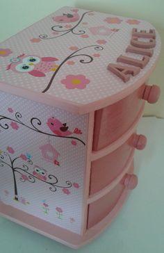 Caixa organizadora personalizada | Latelier das artes | Elo7 Kids Storage Boxes, Diy Storage, Crafts To Make, Fun Crafts, Transfer Images To Wood, Shabby Chic Boxes, Jewelry Box Makeover, Jewellery Box Making, Decoupage Box