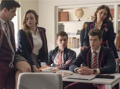 31 Exciting High School/College Movies and Series to Watch on Netflix Latest African Fashion Dresses, African Print Dresses, African Dresses For Women, African Print Fashion, African Shirts, African Attire, Office Dresses For Women, Office Outfits Women, Classy Work Outfits