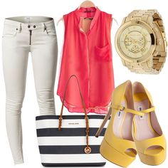 Daylight outfit, fun, chic for a casual lunch with friends and family.