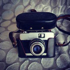 Beirette marka Alman malı antika fotoğraf makinası. Logolu orjinal deri kılıflı. Çalışır halde. #beirette #antika #vintage #antiques #antiques #beautiful #beautifulgift #antikacılarçarşısı #antikacı #fotoğraf #fotoğrafmakinesi#ddr#vsn #fotoğrafmakinası #vintagecamera #almanmarkasi#madeingermany#slr#koleksiyon #kolleksiyoner#collection#nostalgia#nostalji