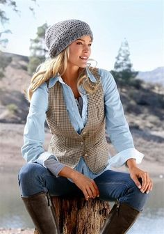 slouch beanie, vest, leather riding boots