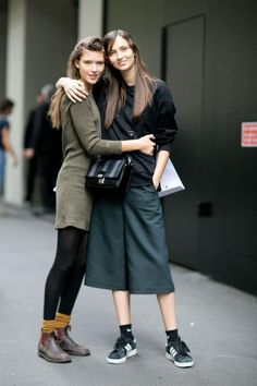 160 Off-Duty Model Style Moments from the Streets of Fashion Month The Best Off-Duty Model Street Style from Spring 2016 Fashion Weeks Legging Outfits, Off Duty Model Style, Fashion Models, Models Style, Fashion Trends, Modell Street-style, Fashion Looks, Model Outfits, Fashion Week 2016