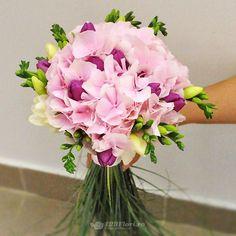 Buchet de mireasa/nasa doar la 123flori Ranunculus Wedding Bouquet, Wedding Bouquets, Nasa, Wedding Brooch Bouquets, Bridal Bouquets, Wedding Bouquet, Wedding Flowers