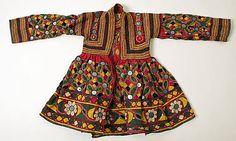 India, cotton and mirrors dress, 1973 Garba Dress, Navratri Dress, Kurta Designs, Blouse Designs, Dandiya Dress, Embroidery Fashion, Indian Embroidery, Indian Fabric, Moda Fashion