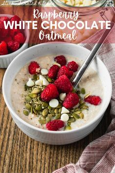 This Raspberry White Chocolate Oatmeal is super simple to whip up, making it meal prep or at home ready in a matter of minutes! This oatmeal is loaded with healthy plant-based protein, carbs, and fats thanks to pumpkin and hemp seeds, almond butter, and rolled oats. Plus a touch of maple syrup and vegan white chocolate give this bowl a sweet twist while keeping it plant-based. #oatmeal #oats #oatmealbowl #oatmealrecipe #oatsforbreakfast #oatspiration #oatsrecipe #poweredbyplants #plantbased Clean Breakfast, Plant Based Breakfast, Healthy Breakfast Recipes, Clean Eating Recipes, Protein Oatmeal, Vegan Oatmeal, Gluten Free Oatmeal, Vegan White Chocolate, Chocolate Oatmeal