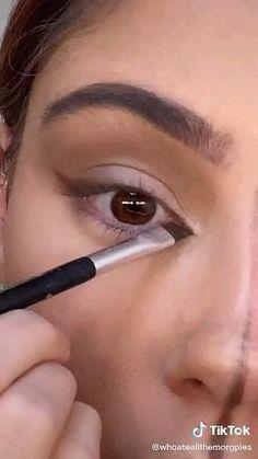 Soft Eye Makeup, Fox Makeup, Dramatic Makeup, Blue Eye Makeup, Simple Makeup, Skin Makeup, Eyeshadow Makeup, Makeup Looks Tutorial, Smokey Eye Makeup Tutorial