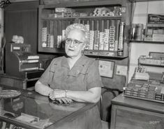 "Chicago. ""1/25/57 Grimes case -- Mrs. Minnie Duros."" Witness in unsolved homicide."
