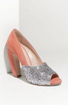 Miu Miu Glitter & Suede Pump. A shoe i don't like. I thought that was a reason to celebrate :P