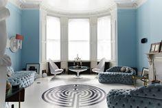 The South Kensington London Flat of Lebanese Interior Designer Danielle Moudaber. Retro Furniture, Furniture Design, Feng Shui, South Kensington London, Style Blanc, Best Interior, Interior Design, Luxury Interior, London House