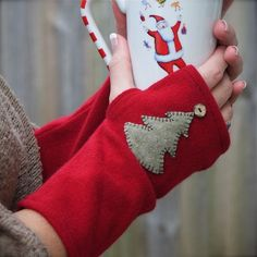 Fingerless gloves recycled cashmere(red, christmas tree)