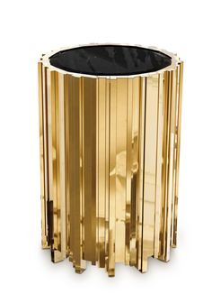 Transform your next interior design project with LUXXU's EMPIRE SIDE TABLE. Inspired by one of the most iconic buildings in the world, this luxury furniture piece iis elegant and empowering.