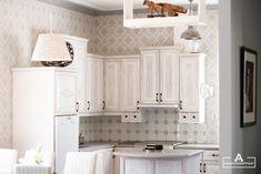 a kitchen designed by a carpenter Rustic Kitchen, Carpenter, Kitchen Design, Kitchen Cabinets, Home Decor, Kitchen Cupboards, Homemade Home Decor, Cuisine Design, Primitive Kitchen