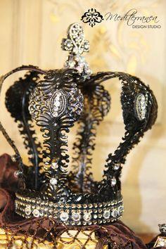 Embellished crown, crown decor, Mediterranea Design Studio, distressed crown, crown cake topper