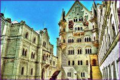 Neuschwanstein Castle - Neuschwanstein Castle - Wikimedia Commons  (1997×1337)