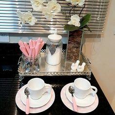 Coffee Corner Kitchen, Coffee Bar Home, Cafe Bar, Coffee Bar Station, Spa Room Decor, Coffee Bar Design, Joe Coffee, Design Café, Home Decor Trends