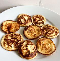 Koolhydraatarme poffertjes Paleo, Keto, Poffertjes, I Love Food, Crackers, Muffin, Chips, Low Carb, Breakfast