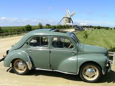 Renault 4CV in Holland