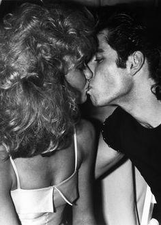 Grease - Olivia Newton John and John Travolta at Studio 54 in John Travolta, Grease Party, Grease Movie, Musical Grease, Studio 54, Disco Party, Ringo Starr, Sandy And Danny, Grease 1978