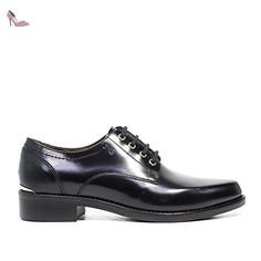 3a822a22a99bc Nero Giardini femme en brogues en cuir article A616160D 100 Black Made in  Italy Automne Hiver 2016 2017  Amazon.fr  Chaussures et Sacs