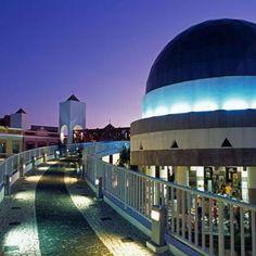 O Ceará tem uma intensa vida cultural noturna para visitante nenhum ficar parado. O Centro Dragão do Mar de Arte Cultura, por exemplo, oferece exposições e espetáculos. Confira!