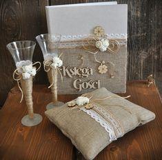 Zestaw weselny w stylu rustykalnym Szampanówki , księga gości do wpisów, poduszeczka pod obrączki. wiecej produktów www.sklep.fabrykaslubu.pl
