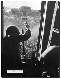 Russians fire mortar shells at German positions. The fighting happened at close quarters in Stalingrad Eastern Front Ww2, Battle Of Stalingrad, Operation Barbarossa, Unseen Images, Ww2 History, Red Pictures, Story Of The World, Army Soldier, Red Army