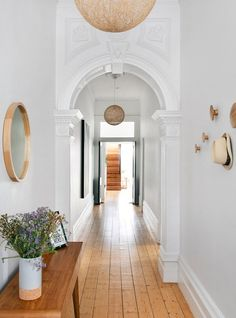 Tour Barnaby Lane Founder Rae Maxwell's Melbourne Home Modern Decoration vintage modern decor Classic Home Decor, House Design, House, Interior, Home Remodeling, Minimalist Entryway, Melbourne House, Interior Design, Minimalist Home