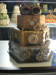 cool steampunk cake #cake   http://pinterest.com/ahaishopping/