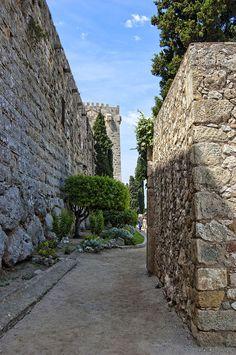 Muralles romanes de Tarragona.jpg