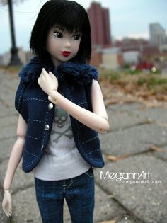 Momoko doll vest outfit on Etsy.