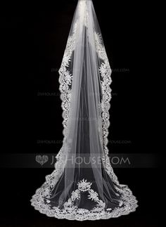 One-tier Lace Applique Edge Cathedral Bridal Veils With Lace (006089555) - JJsHouse