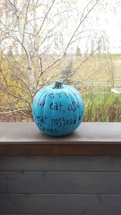 Teal Pumpkin Project DIY Placing a teal pumpkin on your front step indicates to Trick-or-Treaters that you have non-food items available for kids with food allergies. Instructions on how to make your own teal pumpkin! Make Your Own, Make It Yourself, How To Make, Teal Pumpkin Project, Front Steps, Food Allergies, Food Items, Wonderful Time, Christmas Bulbs