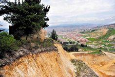 EN COLOMBIA: MINERÍA ARRASA ARTE RUPESTRE. La explotación en la vereda Sucre está a punto de hacer desaparecer 20 piedras sagradas de la comunidad muisca.